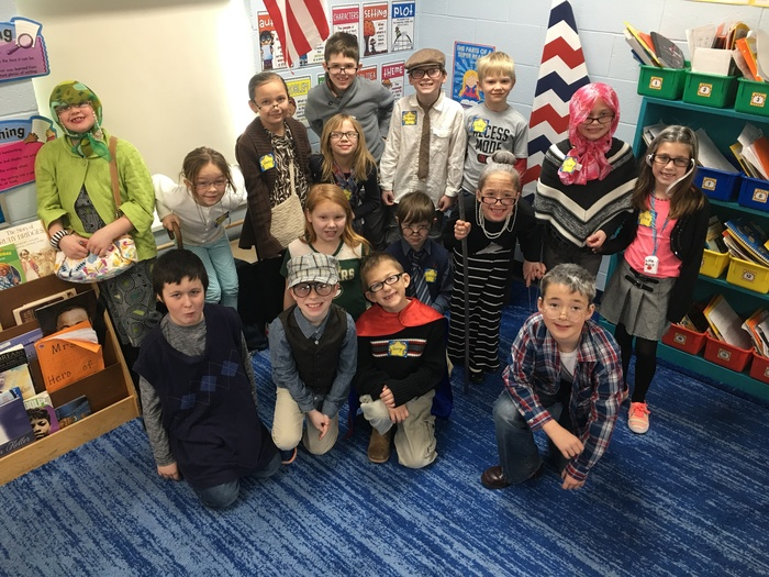 Mrs. Hoffman's 2nd grade Grannies & Grandpas.  Happy 100th Day!